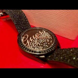 🌹Guess Black Leather Quartz U96002L1 Womens Watch